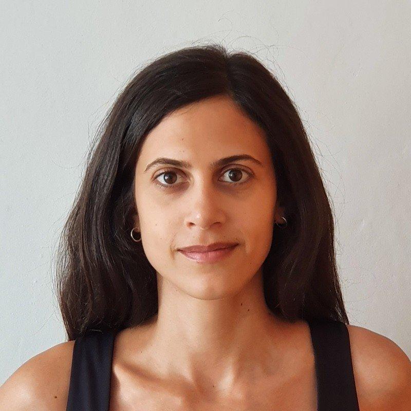 Flor, Lawyer, 32y, Headroom User